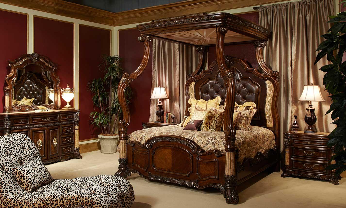 Victoria Palace Bedroom