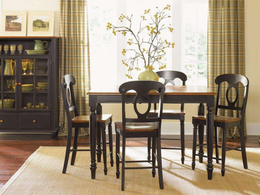 Low Country Dining - Black