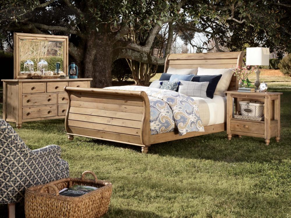 Homecoming-Vintage Pine Bedroom