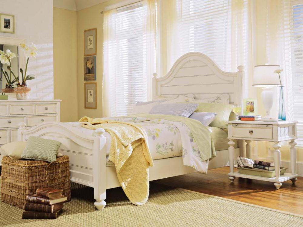 Camden-Antique White Bedroom
