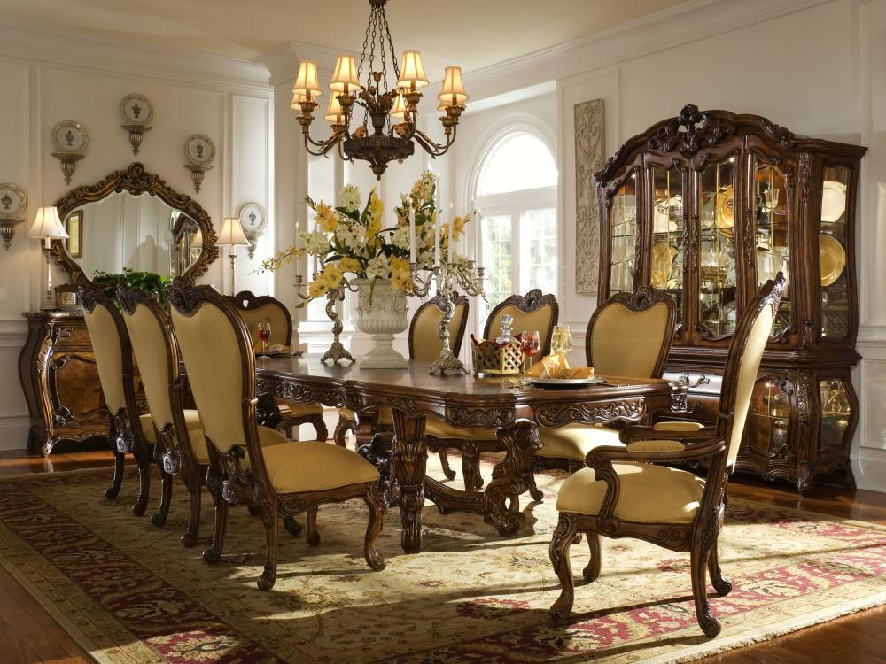 Palais Royale Dining