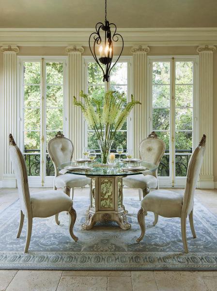 Platine de Royale-Champagne Dining Image 2