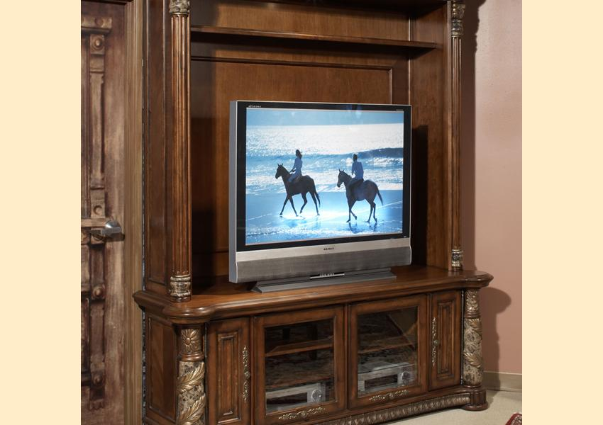 Villa Valencia Entertainment Wall Image 1