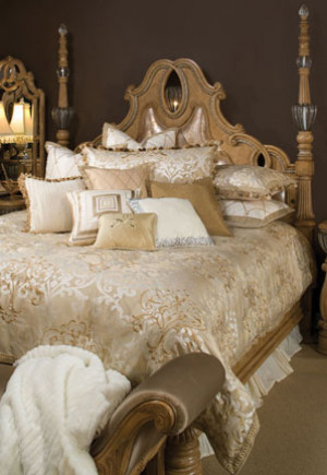 Luxembourg Queen Comforter Set