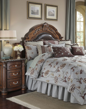 Enchantment Queen Comforter Set