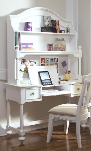 Desk w/ Hutch