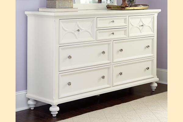 American Drew Lynn Haven 8 Drawer Dresser