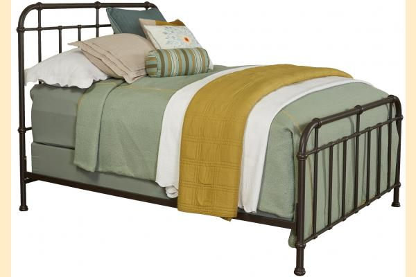 Broyhill Cranford Cal-King Spindle Metal Bed