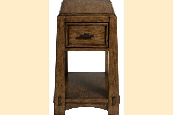Broyhill Winslow Park Chairside Table