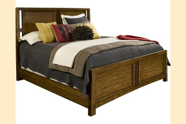 Broyhill Winslow Park Queen Panel Bed