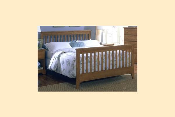 Carolina Furniture Carolina Oak Queen Slat Bed