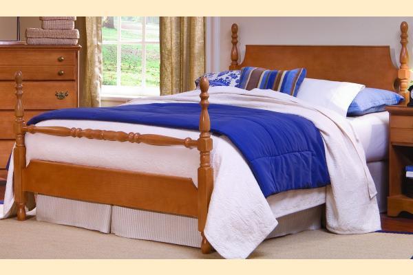 Carolina Furniture Common Sense Maple Full Poster Bed w/ Blanket Bar