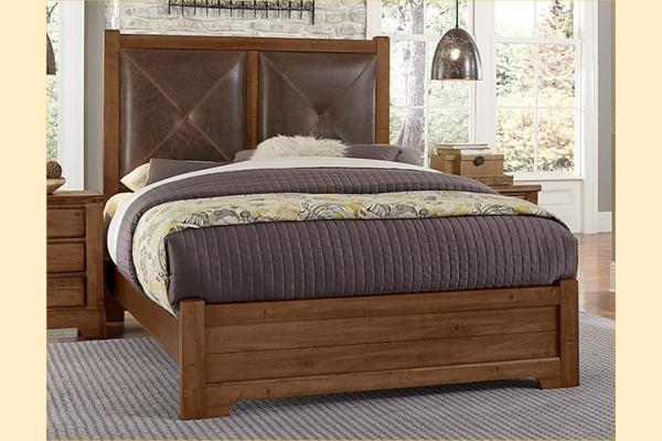 VB Artisan & Post  Cool Rustic-Amber Queen Leather Bed W/ Matching Footboard
