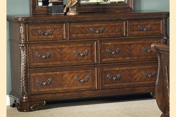 Liberty Highland Court Seven Drawer Dresser