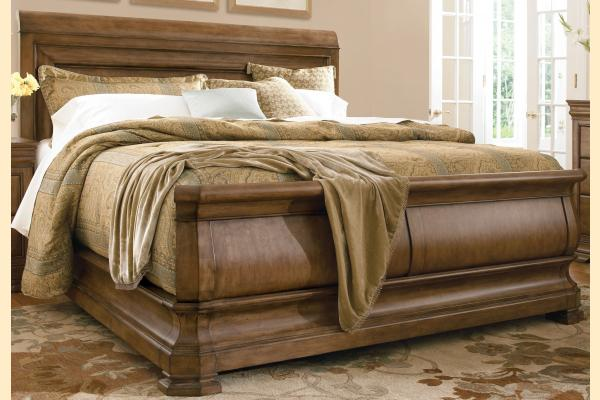 Universal Furniture New Lou Louie P's Cal-King Sleigh Bed