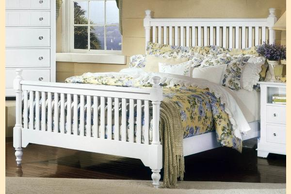 Vaughan Bassett Cottage-Snow White Cal-King Slat Poster Bed